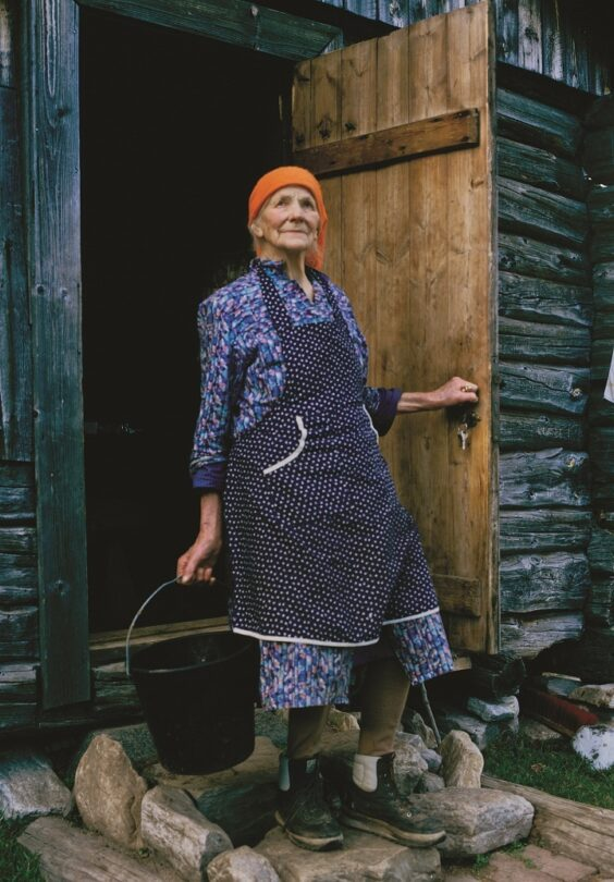 Ragnhild Lia Pa Gavelsjasetra Lite Arne Aas