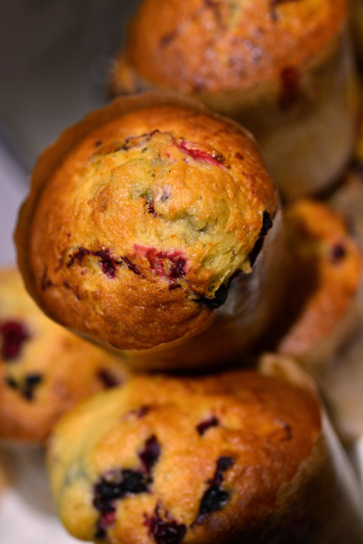 Muffins med blåbær og tyttebær