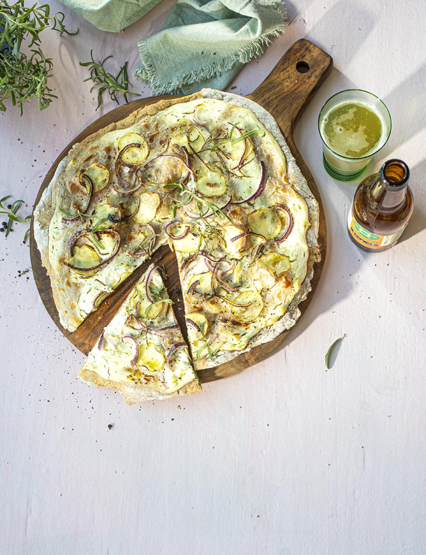 Ren Mat Hvit Pizza Med Potet Og Lok