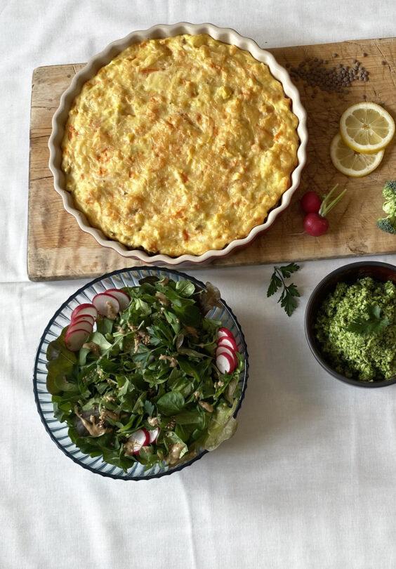 Anahata Yoga Shepards Pie hel med brokkolipesto og salat